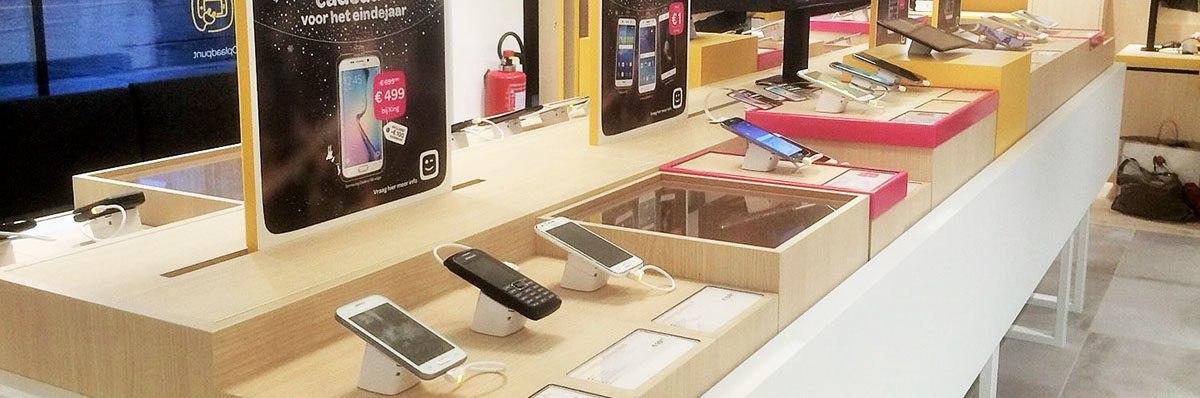 Referentie-Telenet-Gent-Kouter-Open-Display-Serie-1500-beveiliging-smartphones-3x1